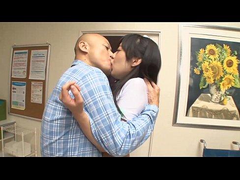患者さんをパイズリで元気付けるGカップ巨乳看護婦娘がかわいいw–藤井有彩