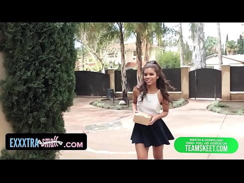 jover latina coge con el patron en su casa