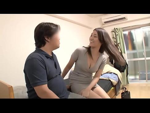《若菜奈央》素人男性宅を訪問しいきなりセックスを始める美少女