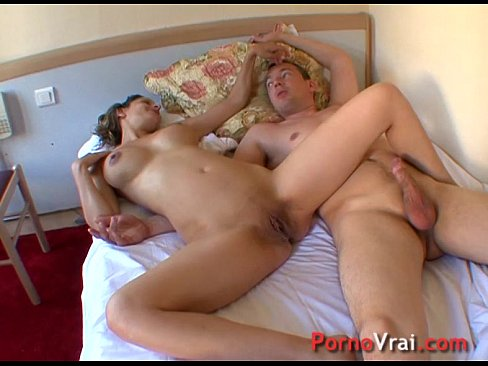 Sexo casero con orgasmos ensordecedores - Porno