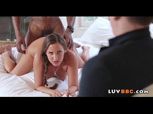 смотреть порно групповое изнасилование