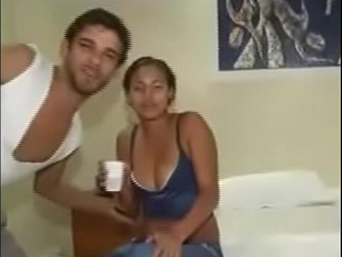 Трахают пьяную жену. Порно и секс видео.