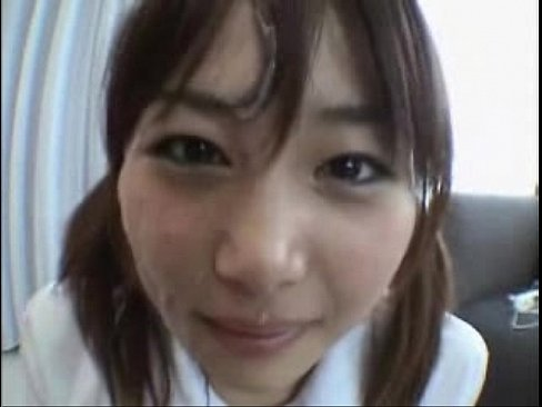 【JKロリ】シコシコ手コキしてくれる可愛い制服娘に大量ザーメン顔射ぶっかけ
