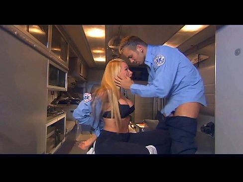Policial Mulher Transando Com Segurança De Trabalho