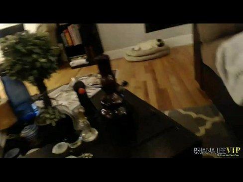 Briana Lee Faz Um Show Especial Para Fã Punheteiro Na Webcam