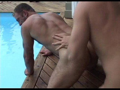 free gay muscle hunk porn
