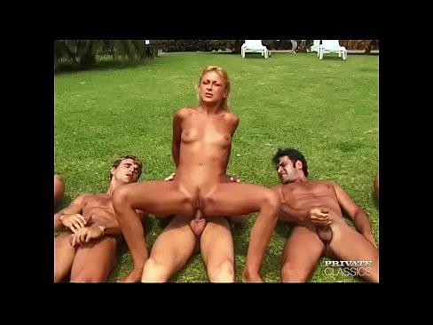 Filme Porno Cu Blonde Ce Se Fut Pe Camp