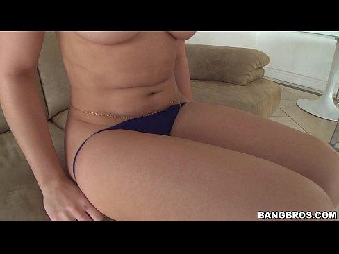 Sexy white girl Dani Daniels with a fat bubble ass! (pwg13793)