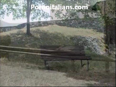 Biondina fa pompino al prete nel bosco - Blonde does blowjob to the priest