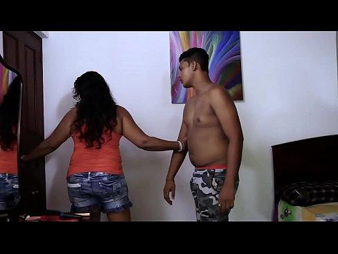 Hot desi Girl Boobs Suck..Nipple show