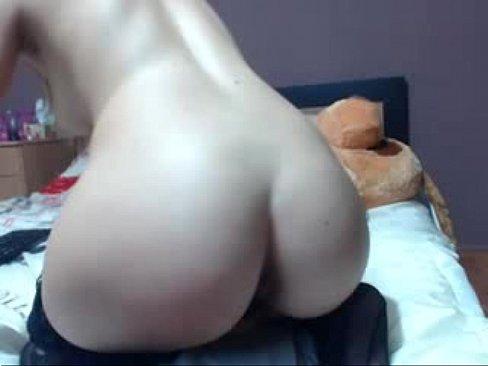 парень трахает секс куклу