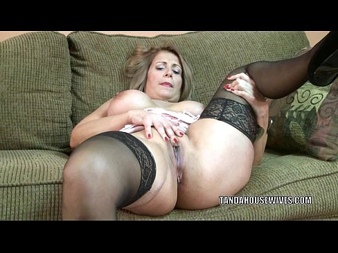 Mature slut sandie marquez is swallowing a stiff cock
