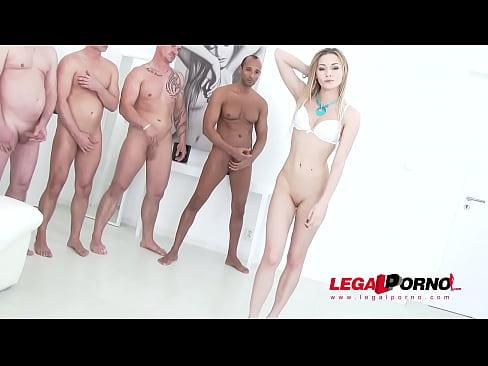Starleta Porno Se Fute Cu 10 Barbati Orgie Sexuala