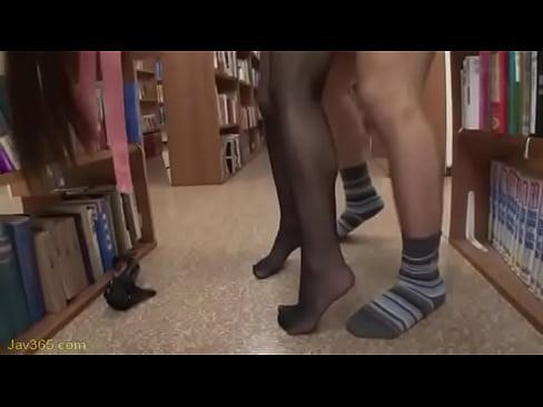 司書さんが図書館で巨乳揺らしてヤリまくってて迷惑過ぎるwww   |巨...