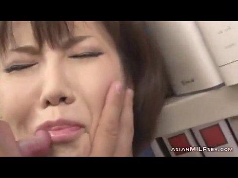 【FC2!】乳首だけで感じるくらいに開発された女が乳首をつねられたり揉まれたりするとこういう反応になるwwwwwwwwwwww