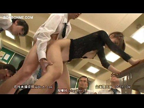 生徒をノーブラで誘った痴女教師!生徒のクンニでイク瞬間にガクガク痙攣マジイキ!聖なる学園で何してんだ!