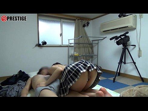 【JK】お尻がエロいセーラー服の女子校生が乳首とチンポ責めして疑似ソープ嬢に