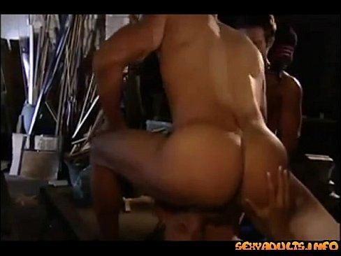 женская мастурбация в туалете
