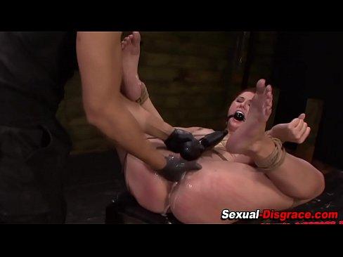 Porn Pix Mature lesbians seducing young girls porn