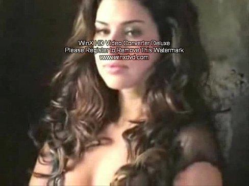Brasileira Fernanda Mostrando Sua Buceta