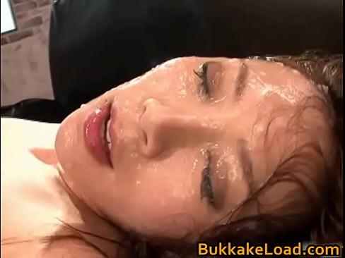【小川あさ美】ソファーの上でガンガン突かれながら連続顔射される巨乳美女