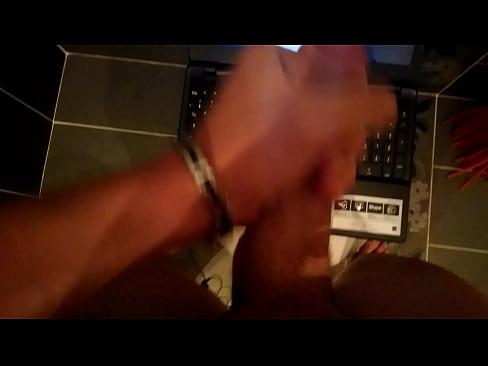 ejac sur kyra hot[1]