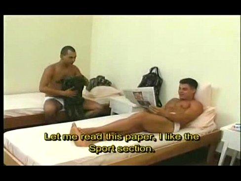 Gays do exercito metendo no alojamento