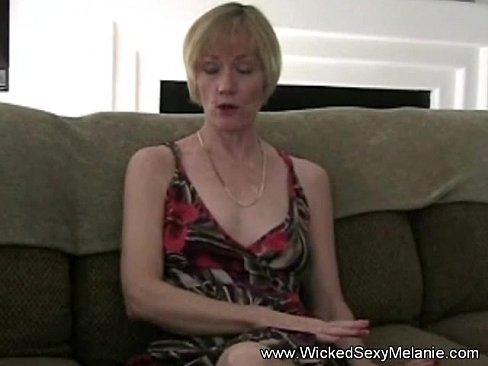 порно смотреть мать жестко трахнула сына