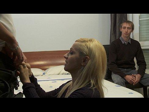 Marido Assiste A Esposa Insatisfeita Como Que Ele Deve Meter