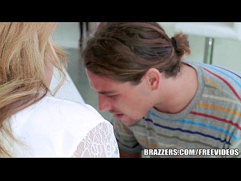 7 min Brazzers Blonde milf Julia Ann takes young cock blonde