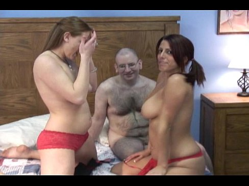 Velho Transando Gostoso No Sexo Com Duas Mulheres Gatinhas