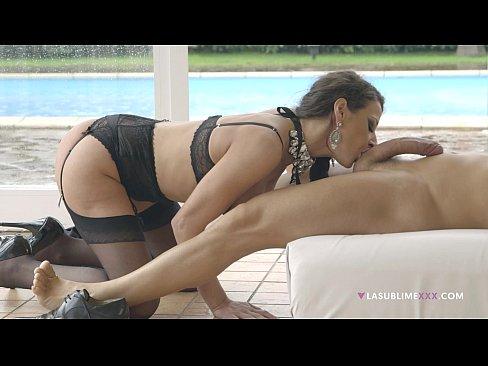 Martina Gold elegant anal sex!