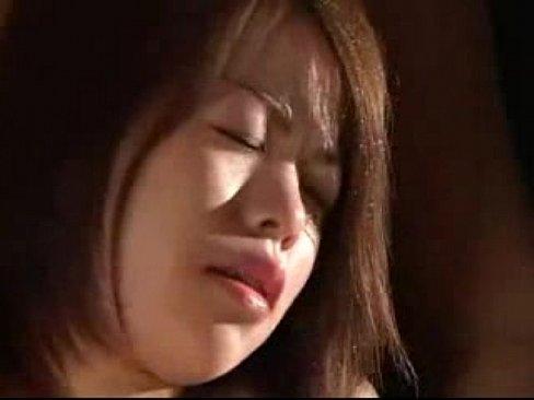 人妻の母乳無料jukujyo動画。夫以外の男におっぱいを揉まれ母乳を噴出させながら感じてる人妻