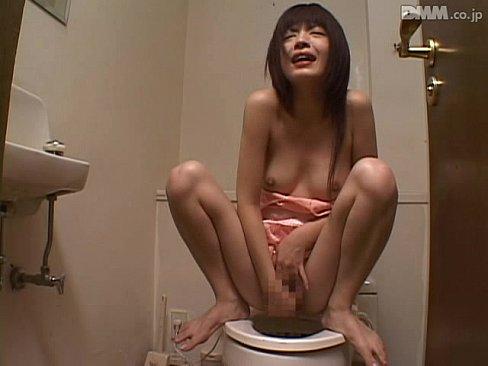 デカパイの美人お姉さんたちがトイレや自分の部屋でオナニーしてマジイキする瞬間