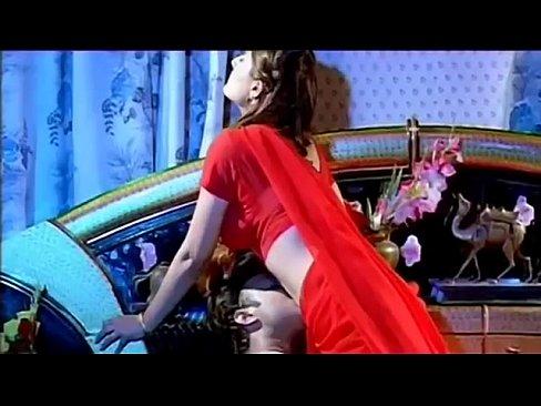Урваши Dholakia горячая сексуальная сцена 4 из 4 из Swapnam (качества 360p)