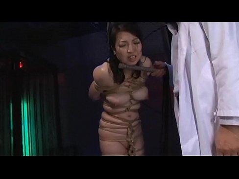 【SM緊縛】むっちり巨乳人妻熟女を全裸でハムみたいにガッチガチに緊縛...