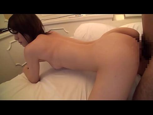 ハメ撮り動画:美人妻が夫...