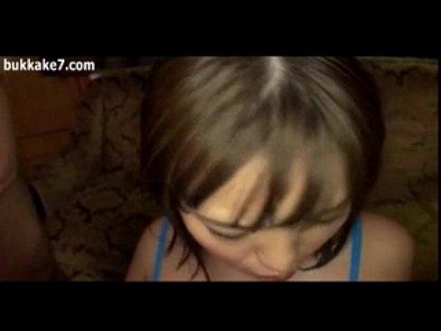フェラチオが気持ち良さそうな唇してる巨乳娘が次々チ○ポをしゃぶってザー...