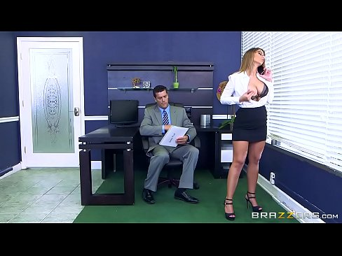 Alexandra Isi Dorea De Mult Sa Faca Sex La Munca