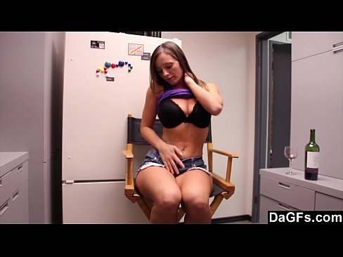 http://img-l3.xvideos.com/videos/thumbslll/6f/92/02/6f92023440f80c5bce8dcccbf2cb7791/6f92023440f80c5bce8dcccbf2cb7791.3.jpg