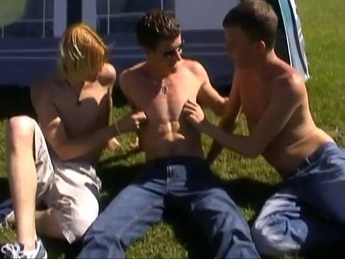 Spunk eating luscious gay twinks nasty threesome ramming outdoors