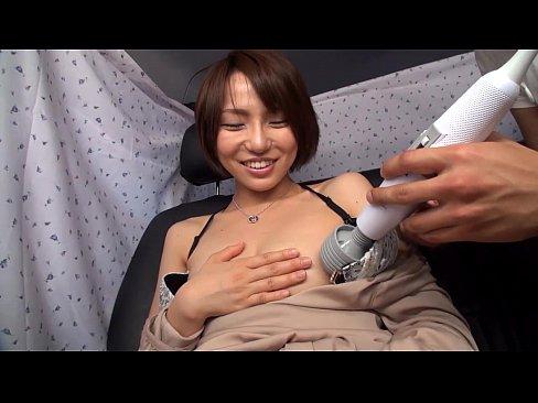 【人妻セックス動画】アンケートって騙して車に連れ込まれた可愛い人妻!若妻が次々と餌食にされる!