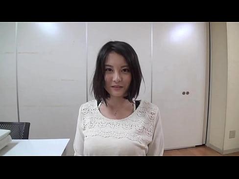巨乳美女松岡ちなちゃんの生パンツを当てるのは果たしてどのかたでしょうか...