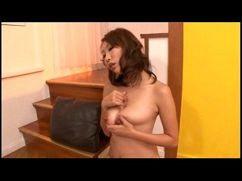 間宮志乃  美人な巨乳人妻のパイズリ!