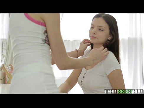 http://img-l3.xvideos.com/videos/thumbslll/7d/a0/45/7da045961e20a8b704349b65e1248602/7da045961e20a8b704349b65e1248602.6.jpg