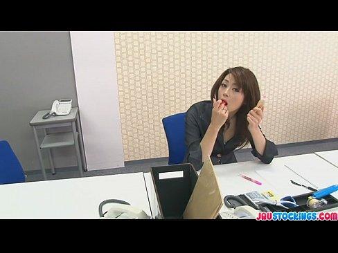 壓力非常大的白領美女主管 會在辦公室內用膠水罐偷偷自慰..
