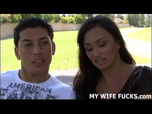 Смотреть твоя жена ударил по незнакомцу
