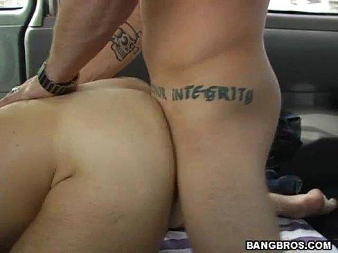 Mulher Assistindo Amigo Gay Comendo Outro Gay Passivo