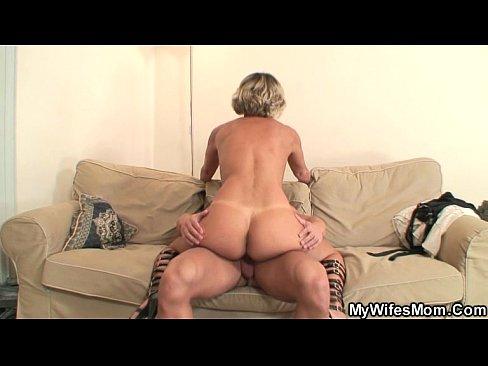 Fat girl buttcrack