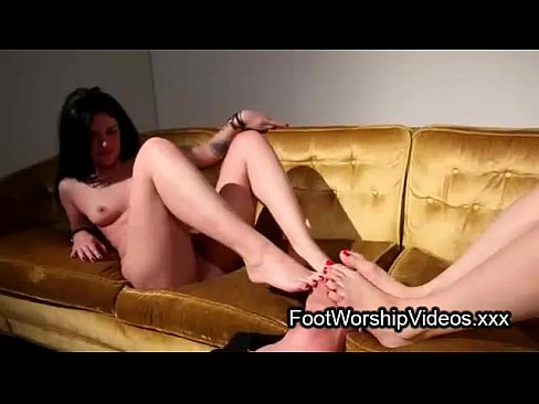 Two brunettes and dude in foot fetish
